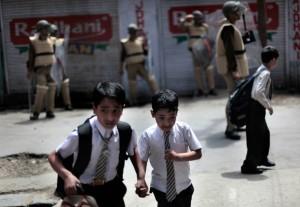 04-kashmir-students-indiaink-superjumbo-1