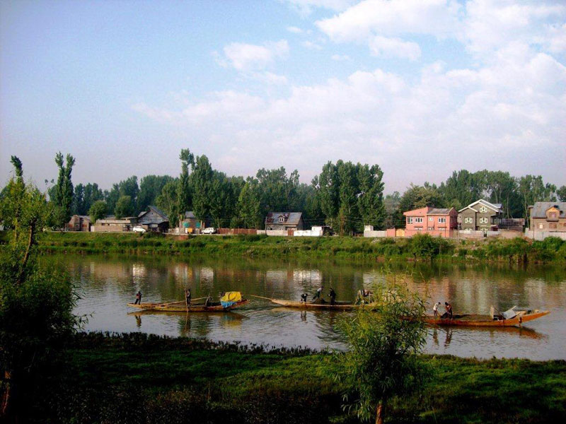 Div Com directs for speeding up work on Jhelum Flood Spill Channel